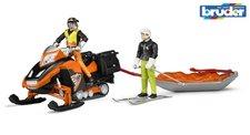 Bruder 63100 Sněžný skůtrr se záchranářskými sáněmi s figurkami řidiče a lyžaře
