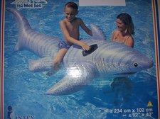 Nafukovací žralok do vody