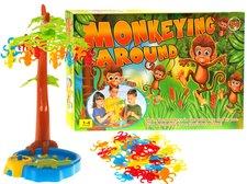 Hra opičky na stomě