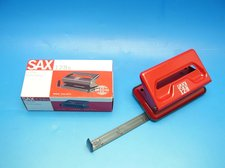 Děrovačka SAX 128 červená
