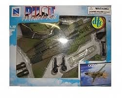 Mac Toys skypilot model KIT F16 1:72