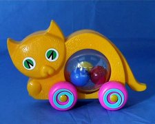 Kočka s míčky