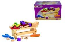 Dřevěný pracovní stolek a příslušenstvím