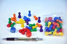 Detoa Figurky dřevo 25mm 24ks 6 barev+ 2 kostky společenská hra v sáčku